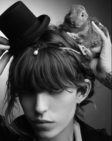 lou doillon winter 2009 Lagerfeld
